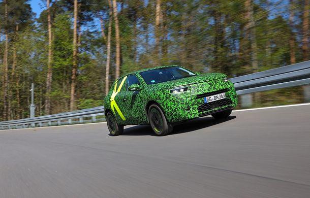 Imagini noi sub camuflaj cu viitorul Opel Mokka: SUV-ul producătorului german va avea versiune electrică și va fi lansat pe piață în 2021 - Poza 8