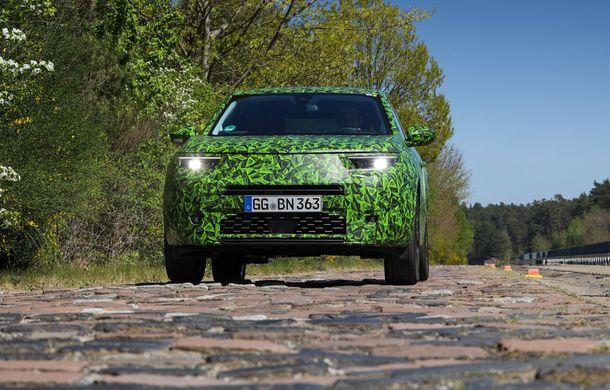 Imagini noi sub camuflaj cu viitorul Opel Mokka: SUV-ul producătorului german va avea versiune electrică și va fi lansat pe piață în 2021 - Poza 4