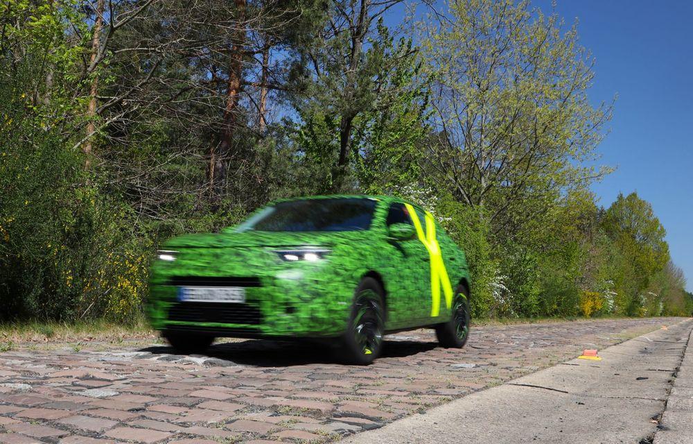 Imagini noi sub camuflaj cu viitorul Opel Mokka: SUV-ul producătorului german va avea versiune electrică și va fi lansat pe piață în 2021 - Poza 3