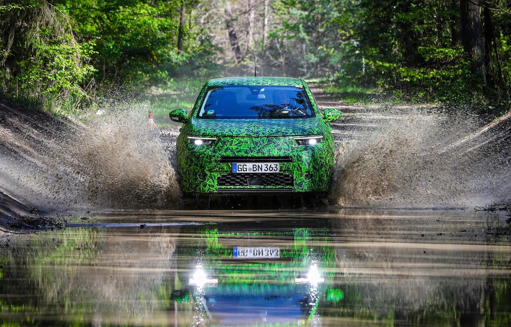 Imagini noi sub camuflaj cu viitorul Opel Mokka: SUV-ul producătorului german va avea versiune electrică și va fi lansat pe piață în 2021 - Poza 14