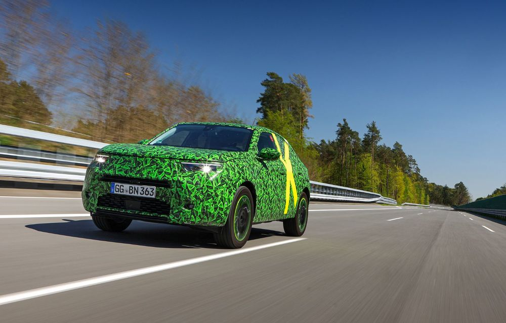 Imagini noi sub camuflaj cu viitorul Opel Mokka: SUV-ul producătorului german va avea versiune electrică și va fi lansat pe piață în 2021 - Poza 9