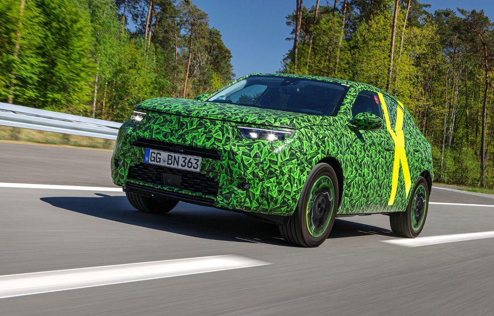 Imagini noi sub camuflaj cu viitorul Opel Mokka: SUV-ul producătorului german va avea versiune electrică și va fi lansat pe piață în 2021 - Poza 7