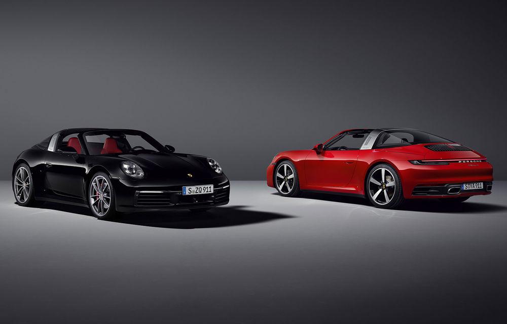 Porsche a prezentat noua generație 911 Targa: două versiuni de putere cu până la 450 CP și soft-top acționat electric în 19 secunde - Poza 1