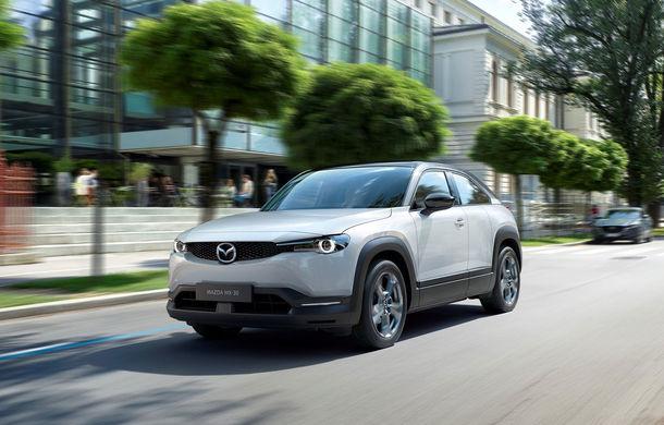 Mazda a demarat producția SUV-ului electric MX-30: livrările pe piața din România încep în toamna acestui an - Poza 1