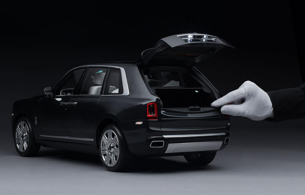 Rolls-Royce lansează macheta SUV-ului Cullinan la scara 1:8: producția unui exemplar are loc în 450 de ore - Poza 3