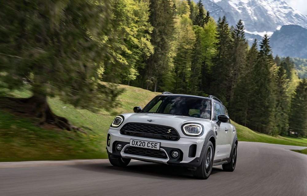 Mini Countryman facelift a fost prezentat oficial: britanicii propun îmbunătățiri exterioare, accesorii noi de interior și versiune plug-in hybrid cu autonomie electrică de până la 61 de kilometri - Poza 84
