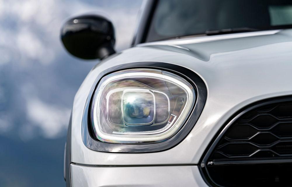 Mini Countryman facelift a fost prezentat oficial: britanicii propun îmbunătățiri exterioare, accesorii noi de interior și versiune plug-in hybrid cu autonomie electrică de până la 61 de kilometri - Poza 121