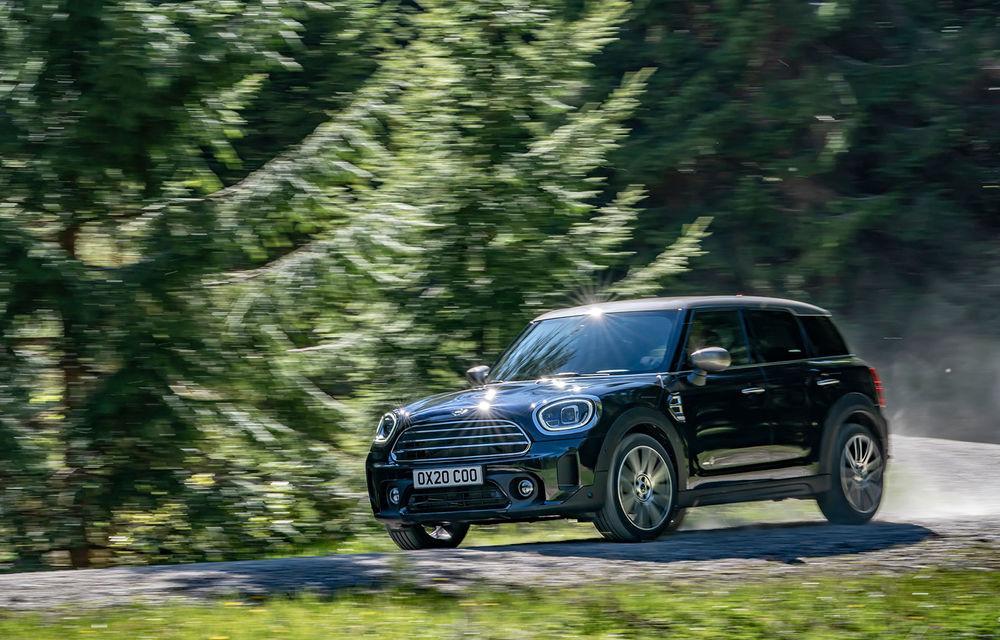 Mini Countryman facelift a fost prezentat oficial: britanicii propun îmbunătățiri exterioare, accesorii noi de interior și versiune plug-in hybrid cu autonomie electrică de până la 61 de kilometri - Poza 8