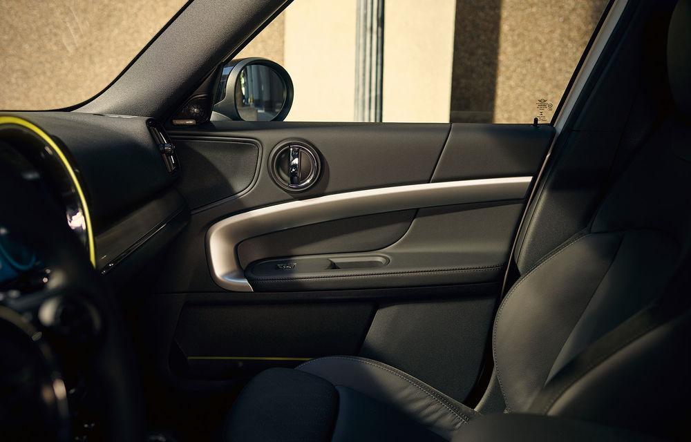 Mini Countryman facelift a fost prezentat oficial: britanicii propun îmbunătățiri exterioare, accesorii noi de interior și versiune plug-in hybrid cu autonomie electrică de până la 61 de kilometri - Poza 144