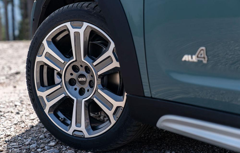 Mini Countryman facelift a fost prezentat oficial: britanicii propun îmbunătățiri exterioare, accesorii noi de interior și versiune plug-in hybrid cu autonomie electrică de până la 61 de kilometri - Poza 80