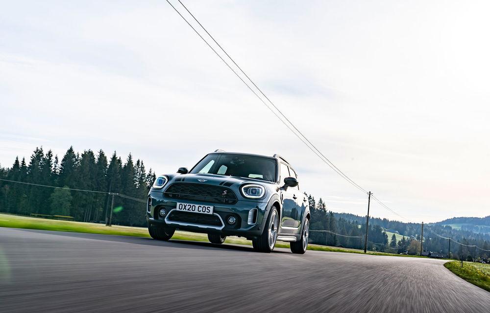 Mini Countryman facelift a fost prezentat oficial: britanicii propun îmbunătățiri exterioare, accesorii noi de interior și versiune plug-in hybrid cu autonomie electrică de până la 61 de kilometri - Poza 37