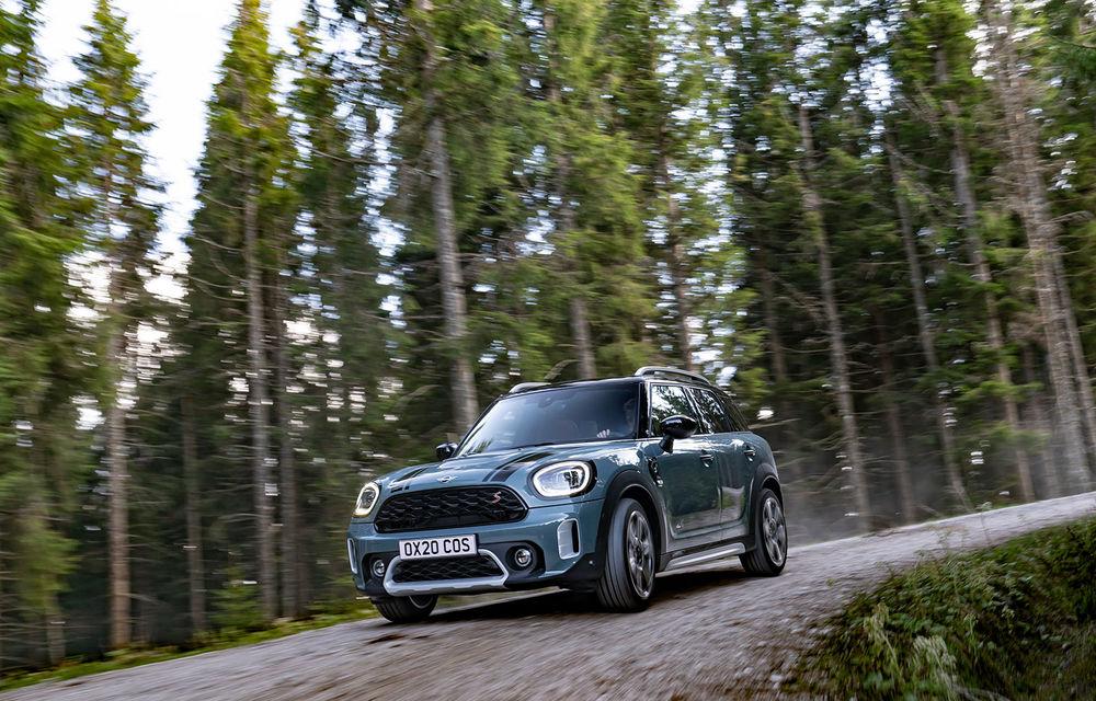 Mini Countryman facelift a fost prezentat oficial: britanicii propun îmbunătățiri exterioare, accesorii noi de interior și versiune plug-in hybrid cu autonomie electrică de până la 61 de kilometri - Poza 46