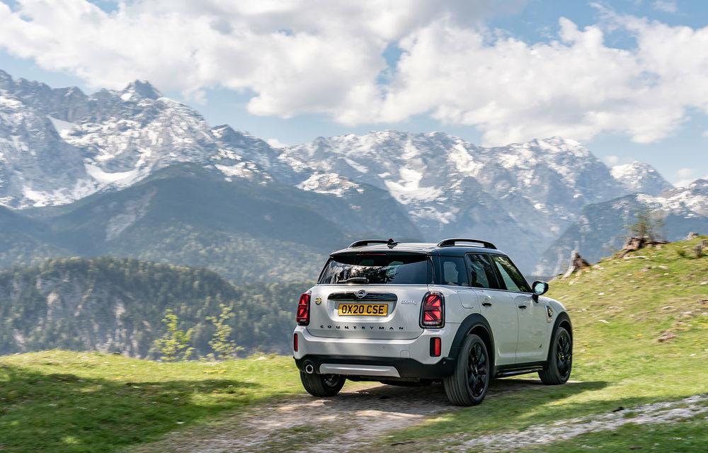 Mini Countryman facelift a fost prezentat oficial: britanicii propun îmbunătățiri exterioare, accesorii noi de interior și versiune plug-in hybrid cu autonomie electrică de până la 61 de kilometri - Poza 110
