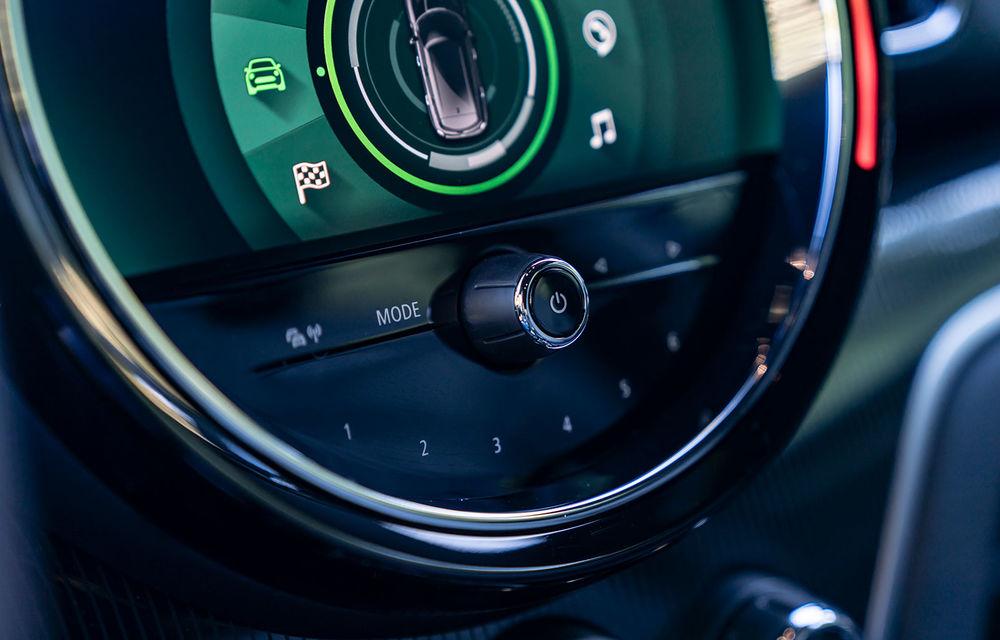 Mini Countryman facelift a fost prezentat oficial: britanicii propun îmbunătățiri exterioare, accesorii noi de interior și versiune plug-in hybrid cu autonomie electrică de până la 61 de kilometri - Poza 35