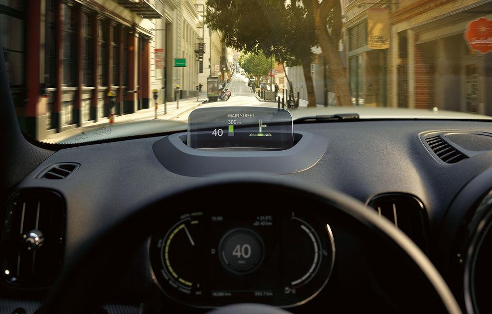Mini Countryman facelift a fost prezentat oficial: britanicii propun îmbunătățiri exterioare, accesorii noi de interior și versiune plug-in hybrid cu autonomie electrică de până la 61 de kilometri - Poza 146