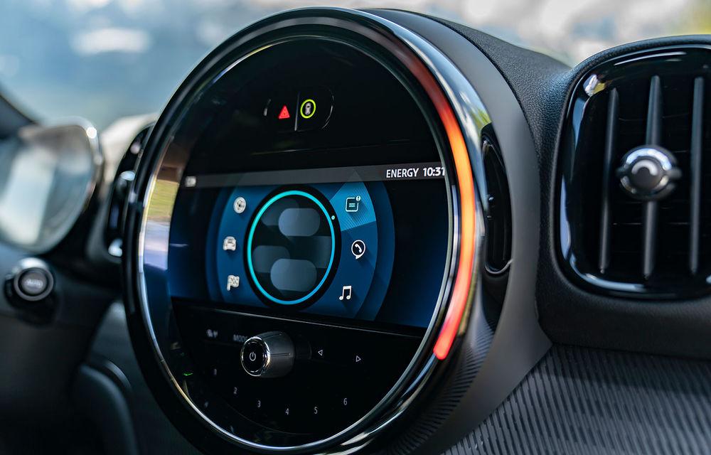 Mini Countryman facelift a fost prezentat oficial: britanicii propun îmbunătățiri exterioare, accesorii noi de interior și versiune plug-in hybrid cu autonomie electrică de până la 61 de kilometri - Poza 131