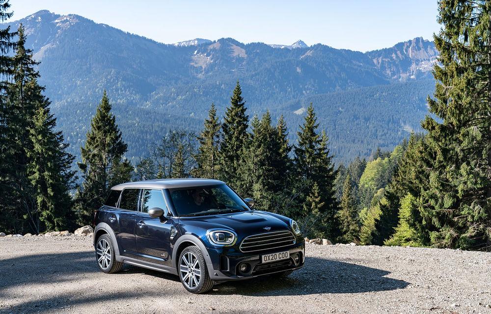 Mini Countryman facelift a fost prezentat oficial: britanicii propun îmbunătățiri exterioare, accesorii noi de interior și versiune plug-in hybrid cu autonomie electrică de până la 61 de kilometri - Poza 17