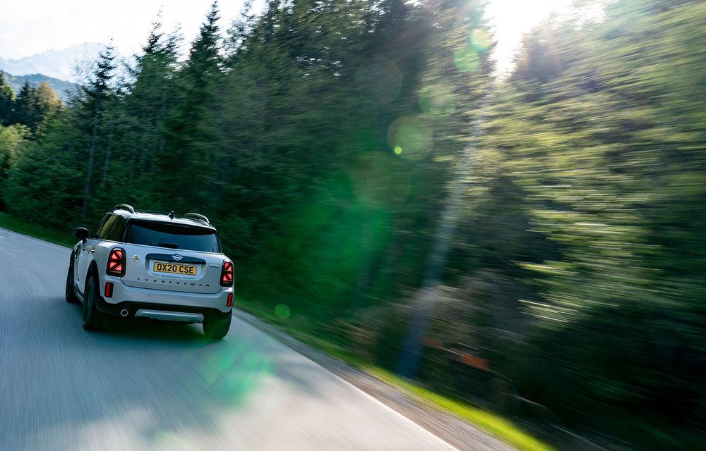 Mini Countryman facelift a fost prezentat oficial: britanicii propun îmbunătățiri exterioare, accesorii noi de interior și versiune plug-in hybrid cu autonomie electrică de până la 61 de kilometri - Poza 108
