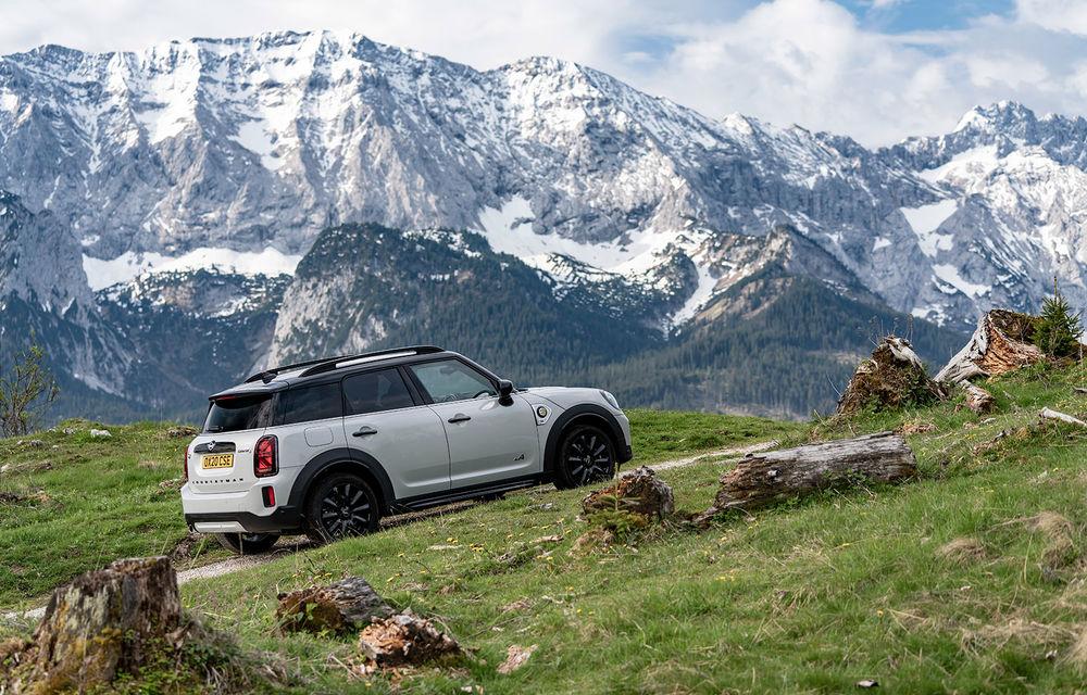 Mini Countryman facelift a fost prezentat oficial: britanicii propun îmbunătățiri exterioare, accesorii noi de interior și versiune plug-in hybrid cu autonomie electrică de până la 61 de kilometri - Poza 117