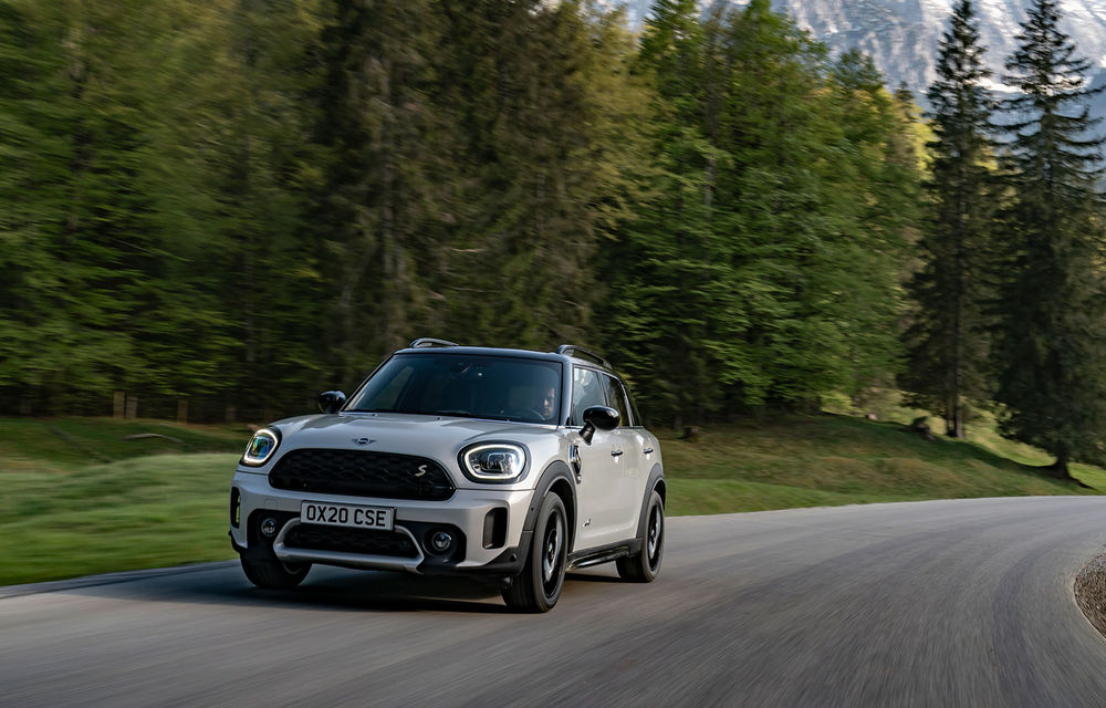 Mini Countryman facelift a fost prezentat oficial: britanicii propun îmbunătățiri exterioare, accesorii noi de interior și versiune plug-in hybrid cu autonomie electrică de până la 61 de kilometri - Poza 95