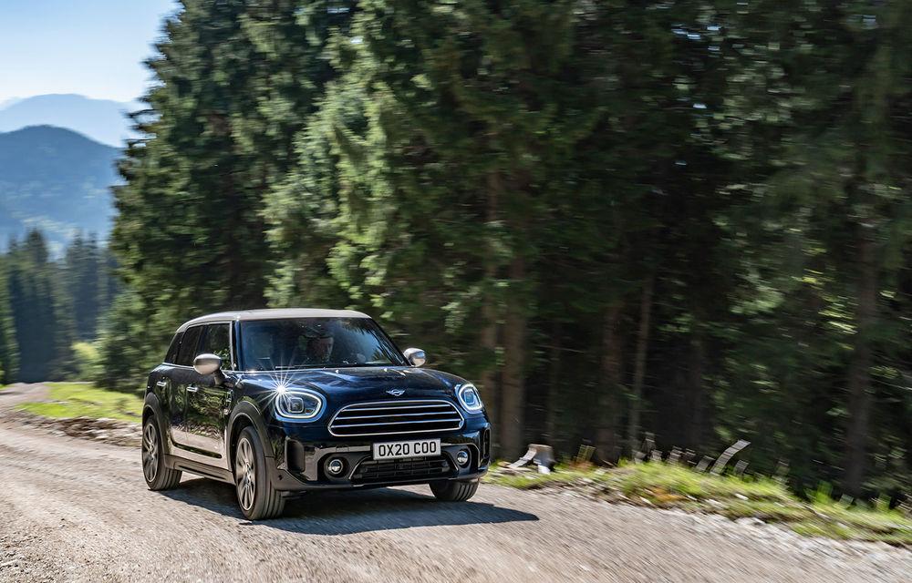 Mini Countryman facelift a fost prezentat oficial: britanicii propun îmbunătățiri exterioare, accesorii noi de interior și versiune plug-in hybrid cu autonomie electrică de până la 61 de kilometri - Poza 4