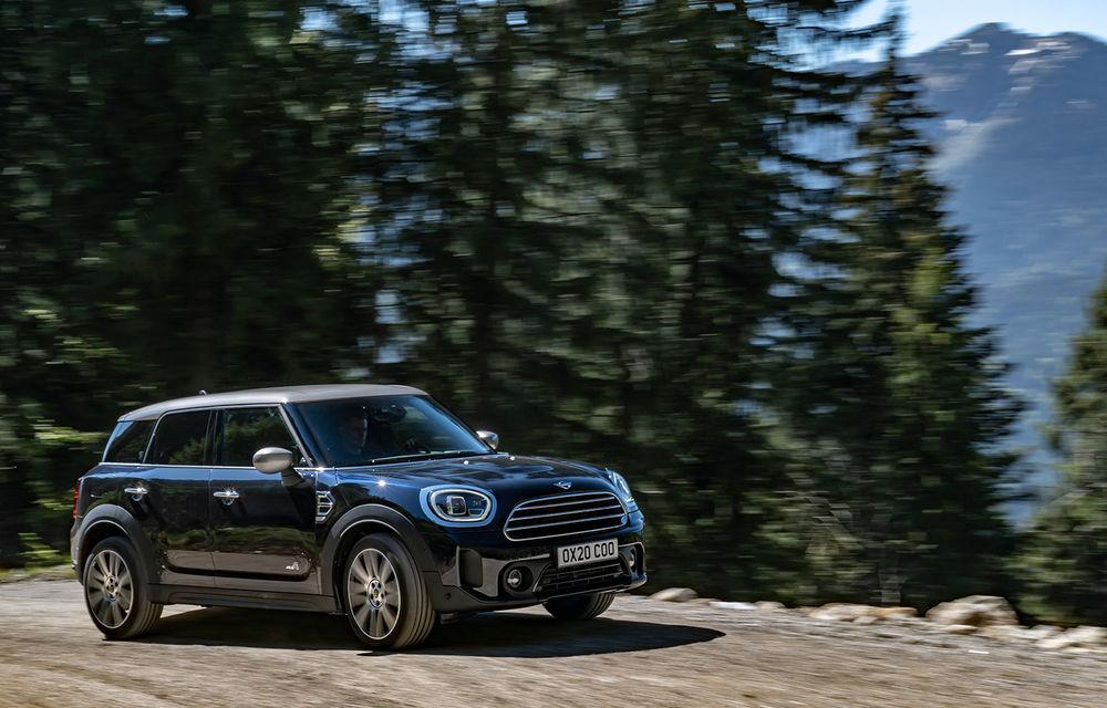 Mini Countryman facelift a fost prezentat oficial: britanicii propun îmbunătățiri exterioare, accesorii noi de interior și versiune plug-in hybrid cu autonomie electrică de până la 61 de kilometri - Poza 5