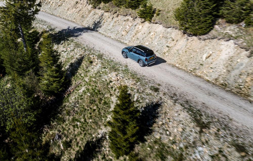 Mini Countryman facelift a fost prezentat oficial: britanicii propun îmbunătățiri exterioare, accesorii noi de interior și versiune plug-in hybrid cu autonomie electrică de până la 61 de kilometri - Poza 57