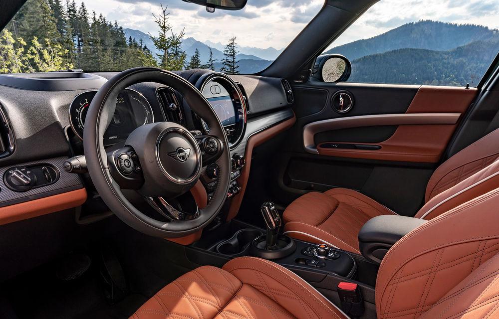Mini Countryman facelift a fost prezentat oficial: britanicii propun îmbunătățiri exterioare, accesorii noi de interior și versiune plug-in hybrid cu autonomie electrică de până la 61 de kilometri - Poza 82