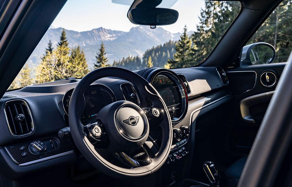 Mini Countryman facelift a fost prezentat oficial: britanicii propun îmbunătățiri exterioare, accesorii noi de interior și versiune plug-in hybrid cu autonomie electrică de până la 61 de kilometri - Poza 31