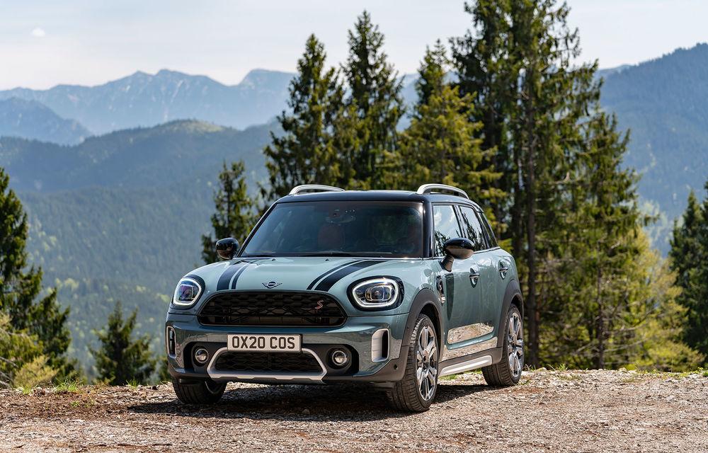 Mini Countryman facelift a fost prezentat oficial: britanicii propun îmbunătățiri exterioare, accesorii noi de interior și versiune plug-in hybrid cu autonomie electrică de până la 61 de kilometri - Poza 63