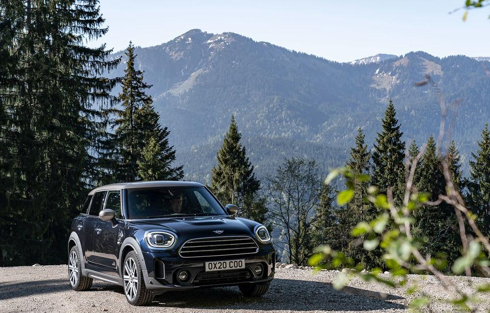 Mini Countryman facelift a fost prezentat oficial: britanicii propun îmbunătățiri exterioare, accesorii noi de interior și versiune plug-in hybrid cu autonomie electrică de până la 61 de kilometri - Poza 19