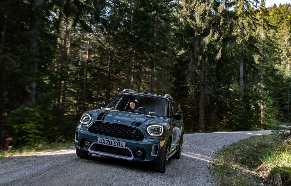 Mini Countryman facelift a fost prezentat oficial: britanicii propun îmbunătățiri exterioare, accesorii noi de interior și versiune plug-in hybrid cu autonomie electrică de până la 61 de kilometri - Poza 41