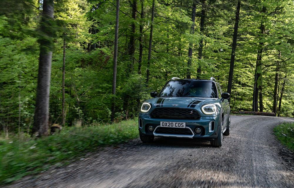 Mini Countryman facelift a fost prezentat oficial: britanicii propun îmbunătățiri exterioare, accesorii noi de interior și versiune plug-in hybrid cu autonomie electrică de până la 61 de kilometri - Poza 38