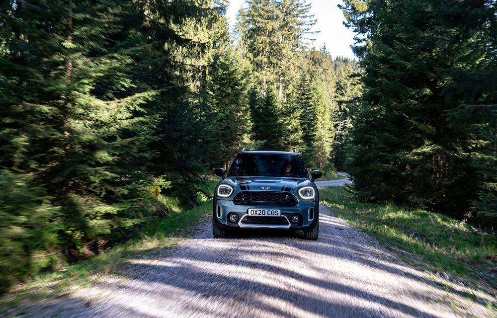 Mini Countryman facelift a fost prezentat oficial: britanicii propun îmbunătățiri exterioare, accesorii noi de interior și versiune plug-in hybrid cu autonomie electrică de până la 61 de kilometri - Poza 39