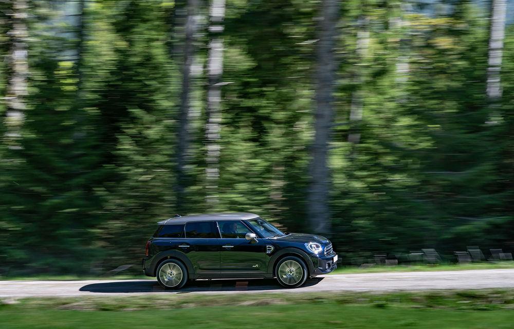 Mini Countryman facelift a fost prezentat oficial: britanicii propun îmbunătățiri exterioare, accesorii noi de interior și versiune plug-in hybrid cu autonomie electrică de până la 61 de kilometri - Poza 16