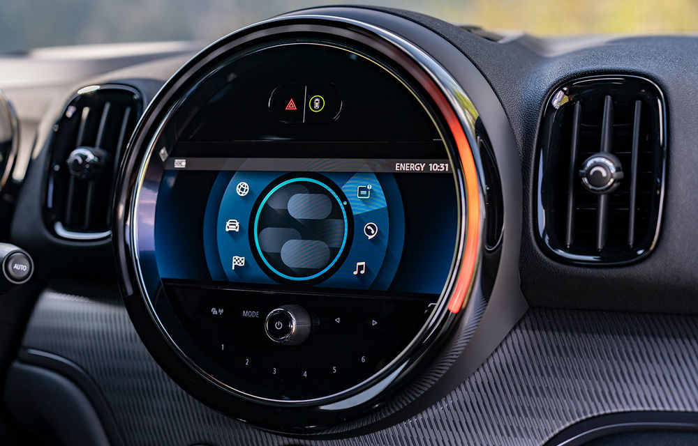 Mini Countryman facelift a fost prezentat oficial: britanicii propun îmbunătățiri exterioare, accesorii noi de interior și versiune plug-in hybrid cu autonomie electrică de până la 61 de kilometri - Poza 130