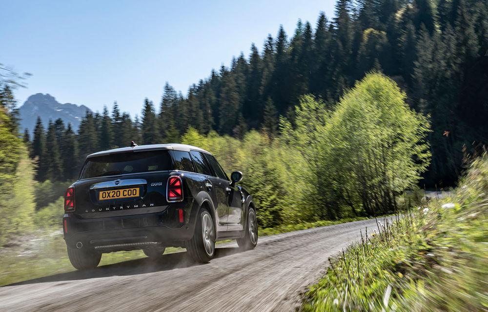 Mini Countryman facelift a fost prezentat oficial: britanicii propun îmbunătățiri exterioare, accesorii noi de interior și versiune plug-in hybrid cu autonomie electrică de până la 61 de kilometri - Poza 9