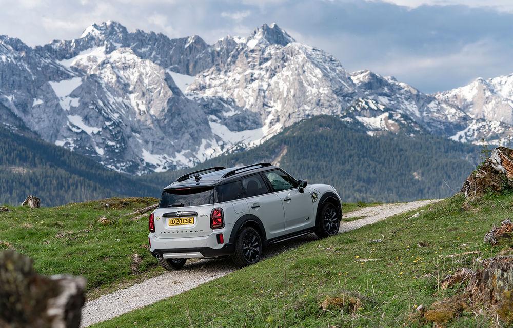 Mini Countryman facelift a fost prezentat oficial: britanicii propun îmbunătățiri exterioare, accesorii noi de interior și versiune plug-in hybrid cu autonomie electrică de până la 61 de kilometri - Poza 116