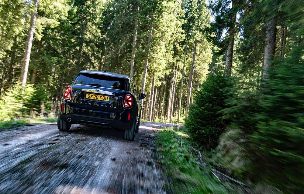 Mini Countryman facelift a fost prezentat oficial: britanicii propun îmbunătățiri exterioare, accesorii noi de interior și versiune plug-in hybrid cu autonomie electrică de până la 61 de kilometri - Poza 10