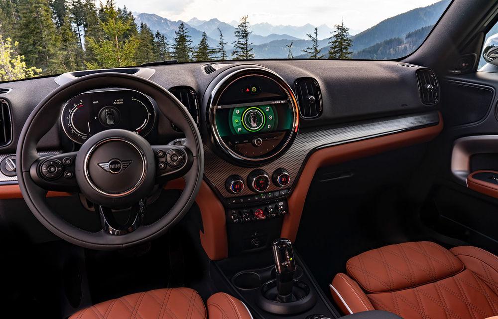 Mini Countryman facelift a fost prezentat oficial: britanicii propun îmbunătățiri exterioare, accesorii noi de interior și versiune plug-in hybrid cu autonomie electrică de până la 61 de kilometri - Poza 83