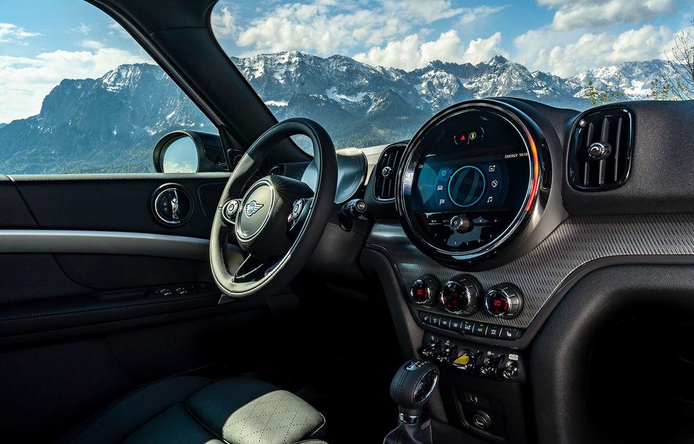 Mini Countryman facelift a fost prezentat oficial: britanicii propun îmbunătățiri exterioare, accesorii noi de interior și versiune plug-in hybrid cu autonomie electrică de până la 61 de kilometri - Poza 129