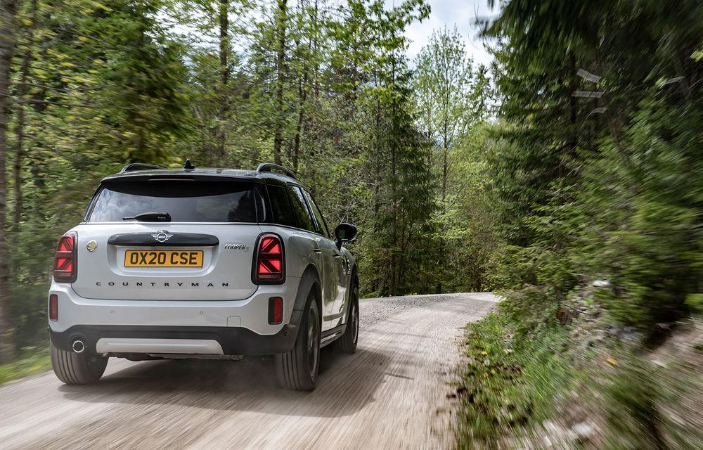 Mini Countryman facelift a fost prezentat oficial: britanicii propun îmbunătățiri exterioare, accesorii noi de interior și versiune plug-in hybrid cu autonomie electrică de până la 61 de kilometri - Poza 102