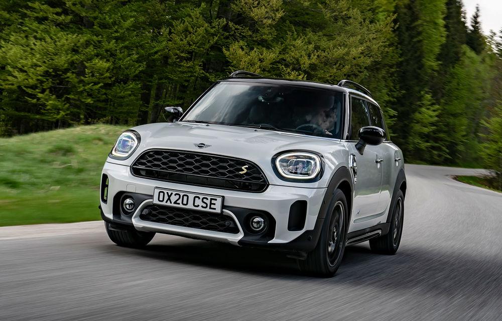 Mini Countryman facelift a fost prezentat oficial: britanicii propun îmbunătățiri exterioare, accesorii noi de interior și versiune plug-in hybrid cu autonomie electrică de până la 61 de kilometri - Poza 1