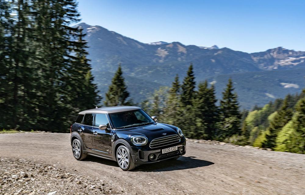 Mini Countryman facelift a fost prezentat oficial: britanicii propun îmbunătățiri exterioare, accesorii noi de interior și versiune plug-in hybrid cu autonomie electrică de până la 61 de kilometri - Poza 2