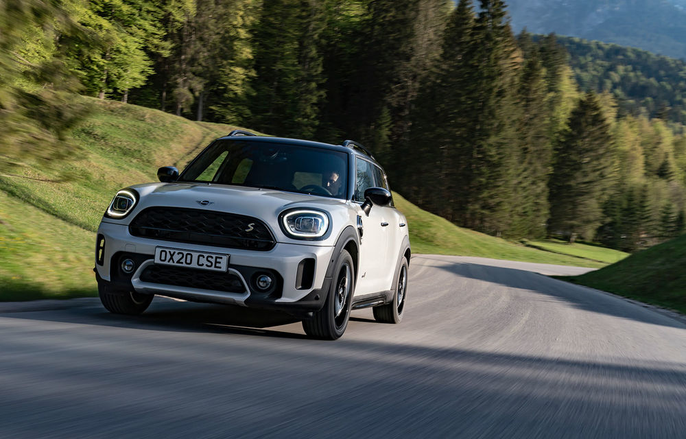 Mini Countryman facelift a fost prezentat oficial: britanicii propun îmbunătățiri exterioare, accesorii noi de interior și versiune plug-in hybrid cu autonomie electrică de până la 61 de kilometri - Poza 96