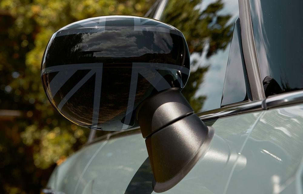 Mini Countryman facelift a fost prezentat oficial: britanicii propun îmbunătățiri exterioare, accesorii noi de interior și versiune plug-in hybrid cu autonomie electrică de până la 61 de kilometri - Poza 162