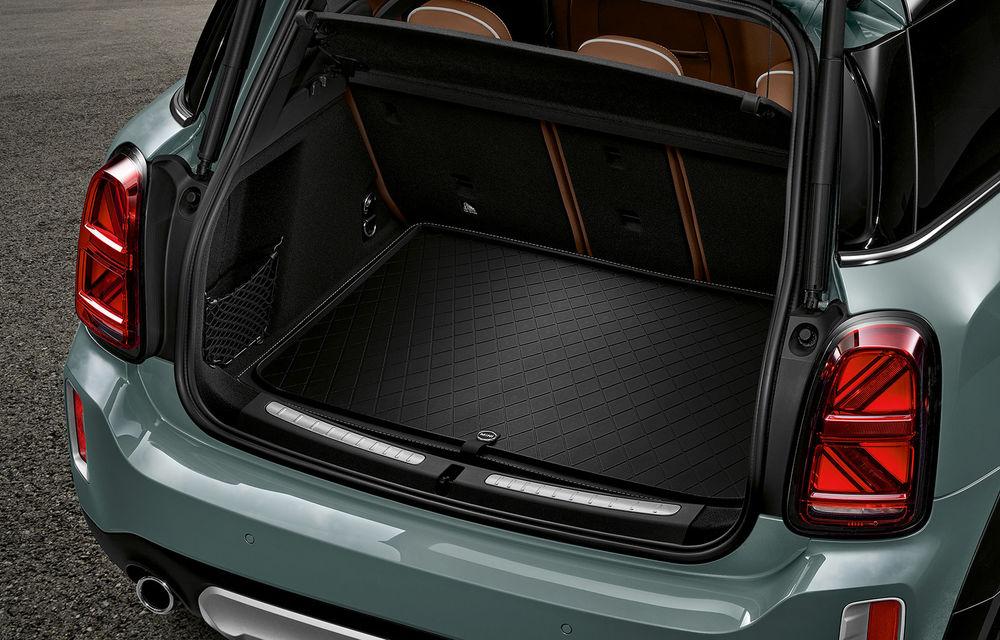 Mini Countryman facelift a fost prezentat oficial: britanicii propun îmbunătățiri exterioare, accesorii noi de interior și versiune plug-in hybrid cu autonomie electrică de până la 61 de kilometri - Poza 167