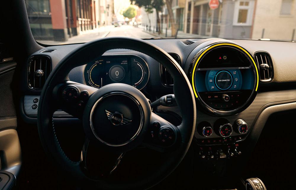 Mini Countryman facelift a fost prezentat oficial: britanicii propun îmbunătățiri exterioare, accesorii noi de interior și versiune plug-in hybrid cu autonomie electrică de până la 61 de kilometri - Poza 145