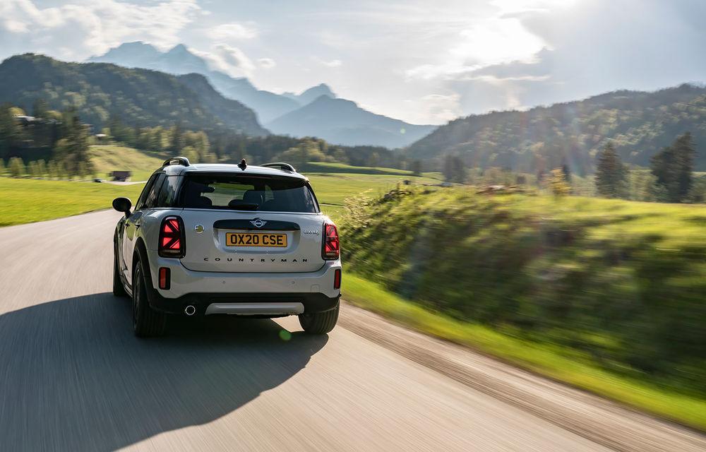 Mini Countryman facelift a fost prezentat oficial: britanicii propun îmbunătățiri exterioare, accesorii noi de interior și versiune plug-in hybrid cu autonomie electrică de până la 61 de kilometri - Poza 90