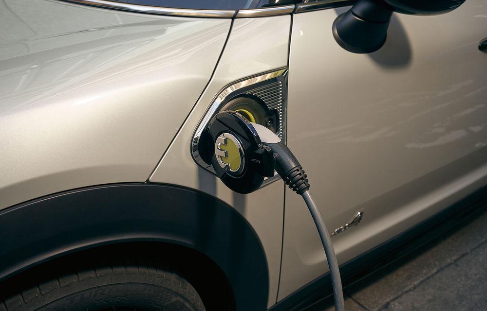 Mini Countryman facelift a fost prezentat oficial: britanicii propun îmbunătățiri exterioare, accesorii noi de interior și versiune plug-in hybrid cu autonomie electrică de până la 61 de kilometri - Poza 143